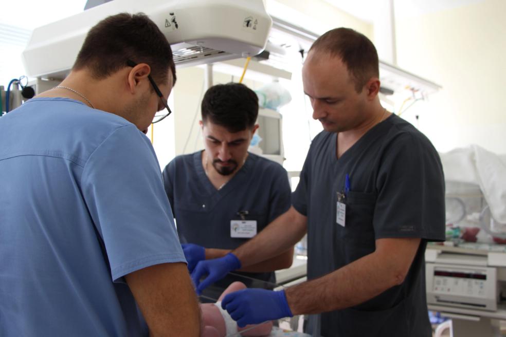 В Свердловской области впервые проведена видеобронхоскопия новорожденному