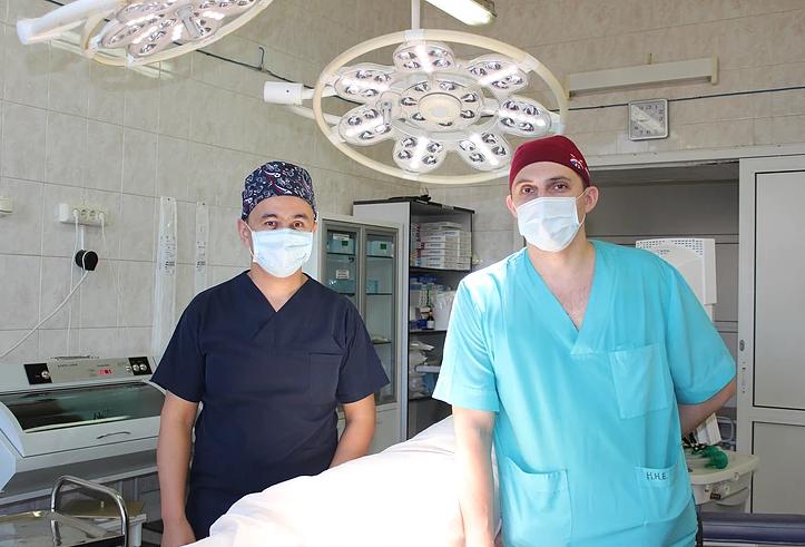 Сосудистые хирурги Нижнего Тагила провели уникальную для горбольницы операцию при раке прямой кишки
