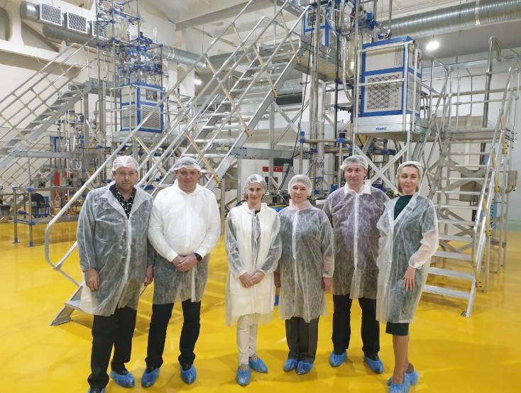Представители Минздрава и Минпромнауки Свердловской области ознакомились с работой завода Медсинтез