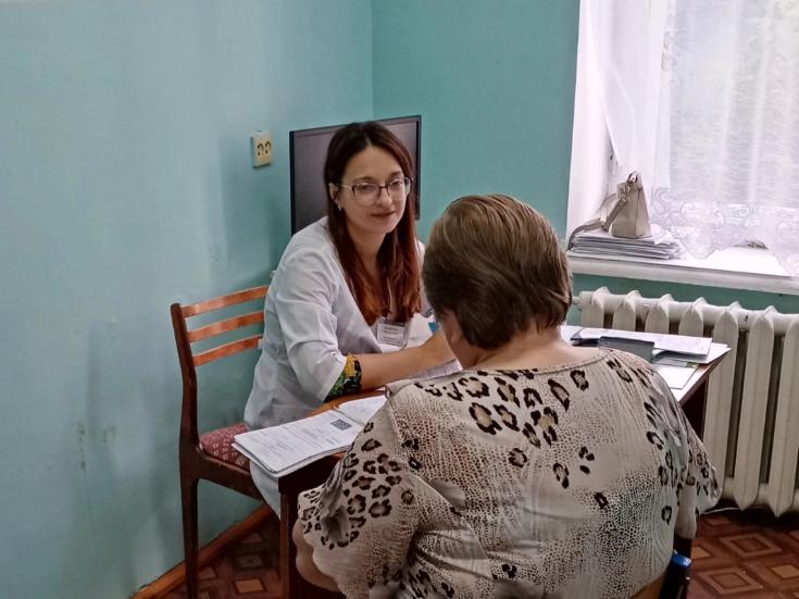 Специалисты выездной поликлиники ОКБ №1 проконсультировали за первый месяц осени 190 жителей региона