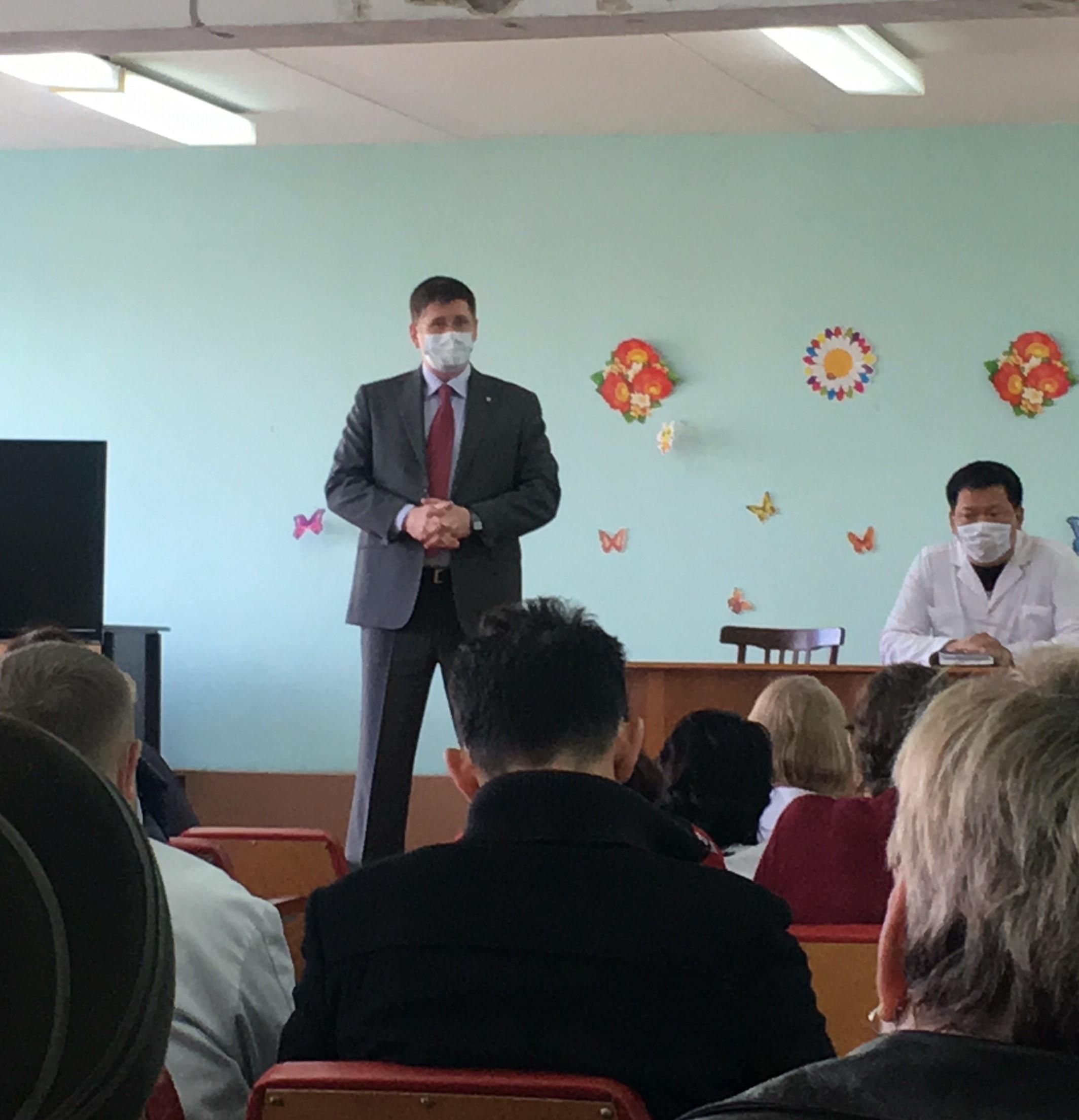 Глава Березовского городского округа выступил с обращением к сотрудникам Березовской ЦГБ