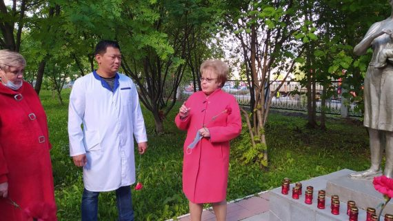 Акция памяти по жертвам Беслана прошла на территории Березовской ЦГБ